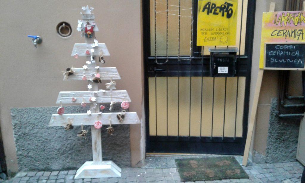 Il meraviglioso albero di Natale del laboratorio